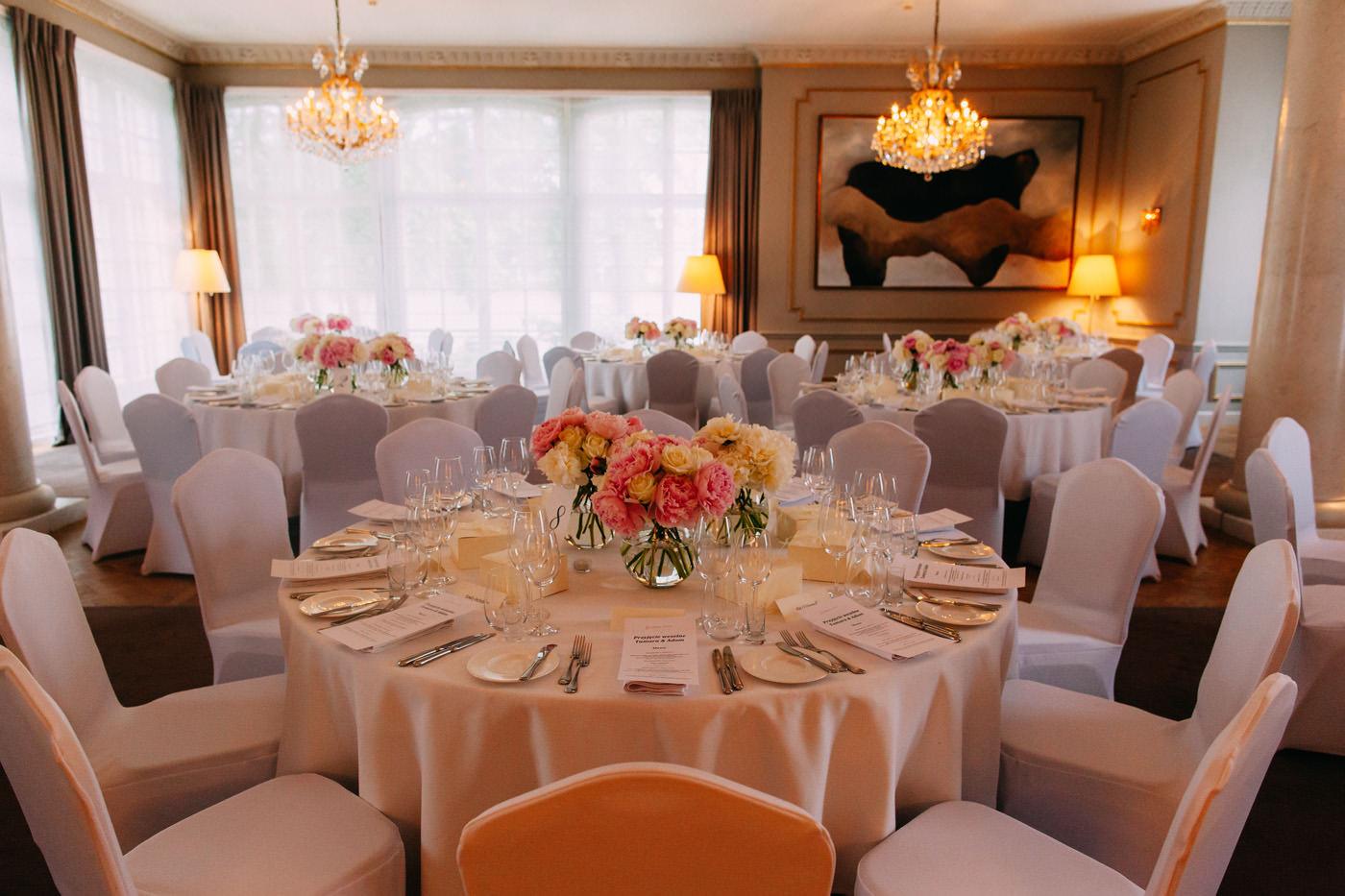 piekne wnetrze restauracji- wesele amber room warszawa- luke sezeck