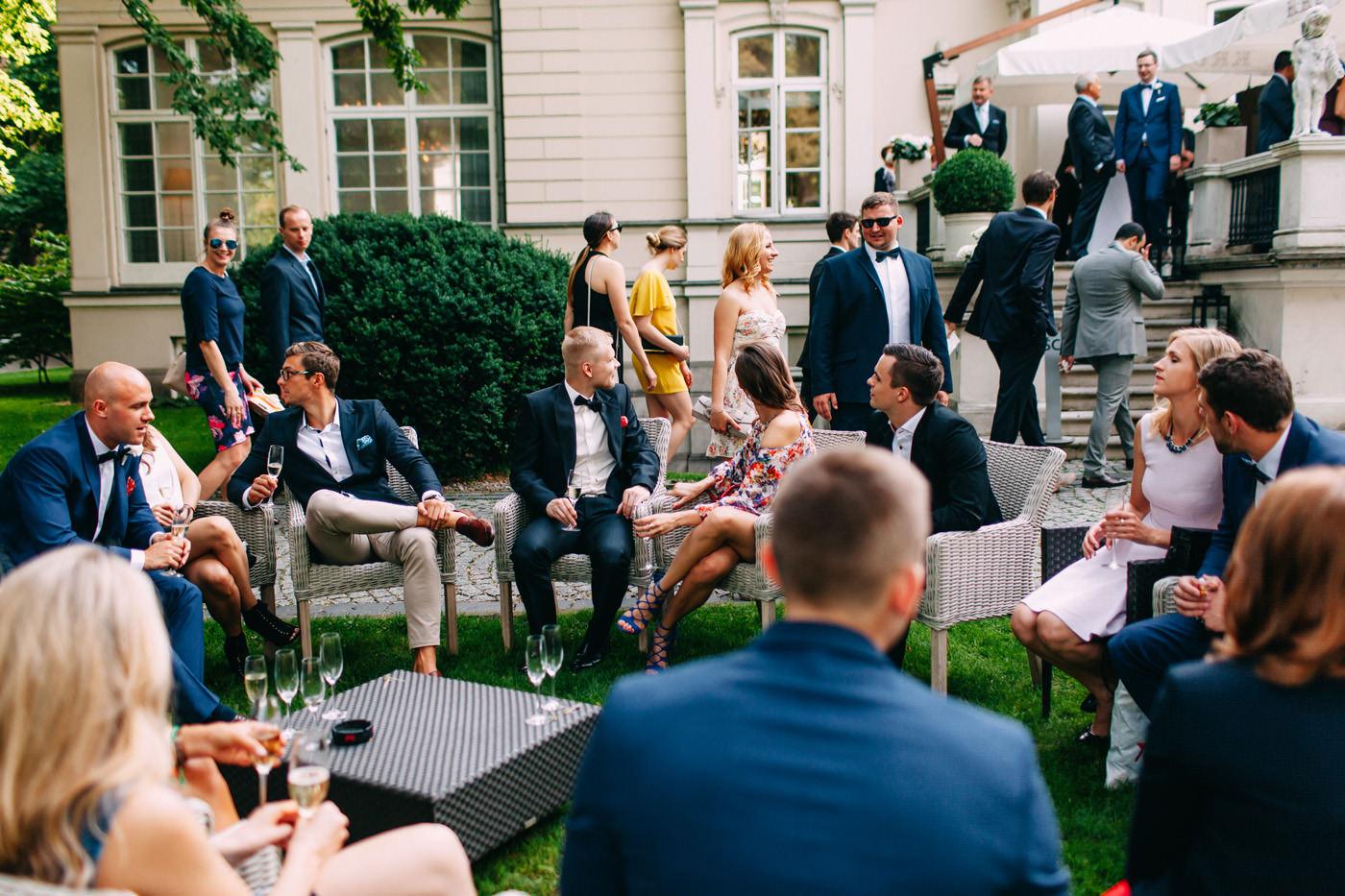 goscie weselni w ogrodzie- wesele amber room warszawa- luke sezeck