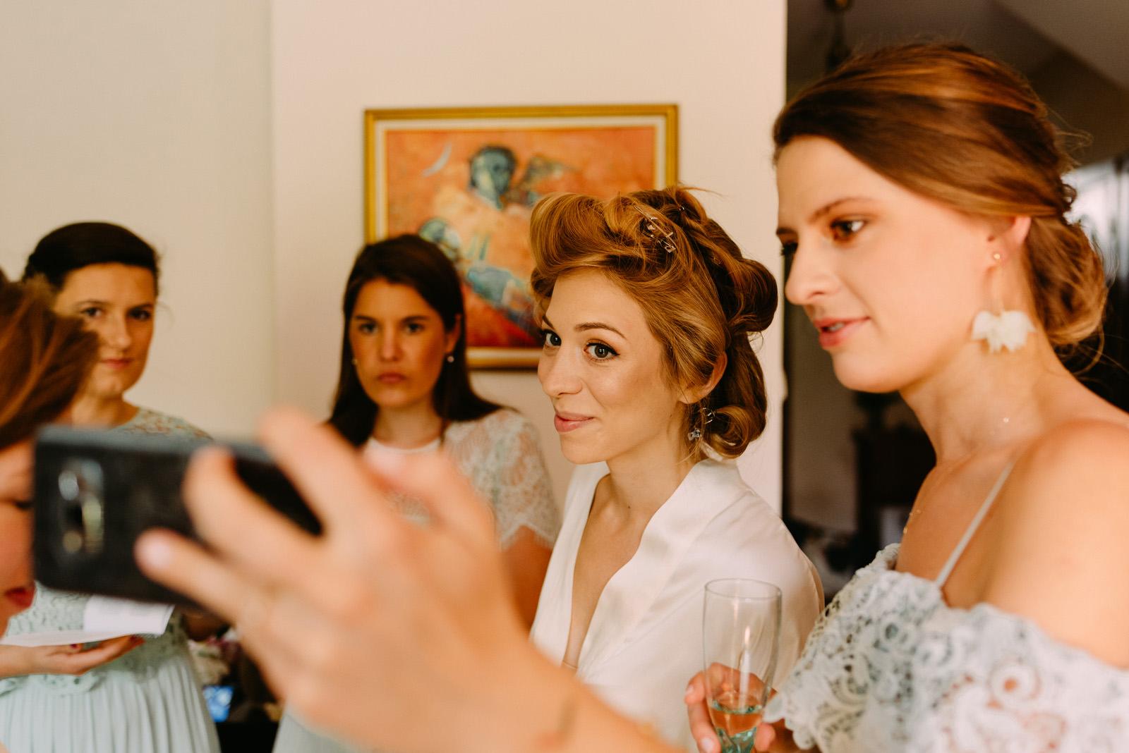 selfie ślubne w pałacu w zdunowie- Luke Sezeck