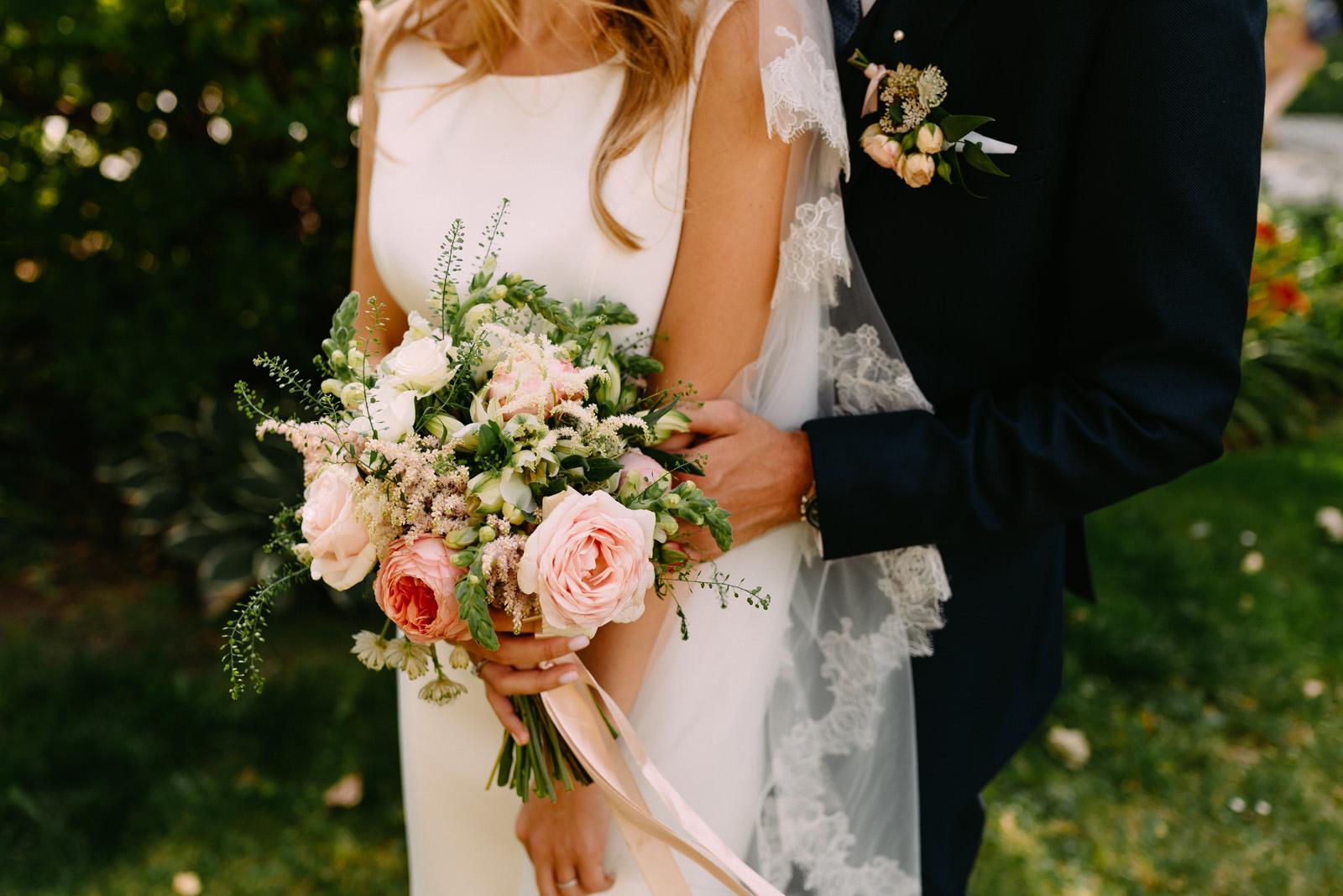 Polsko-francuski ślub pałac zdunowo-bukiet panny mlodej- Luke Sezeck