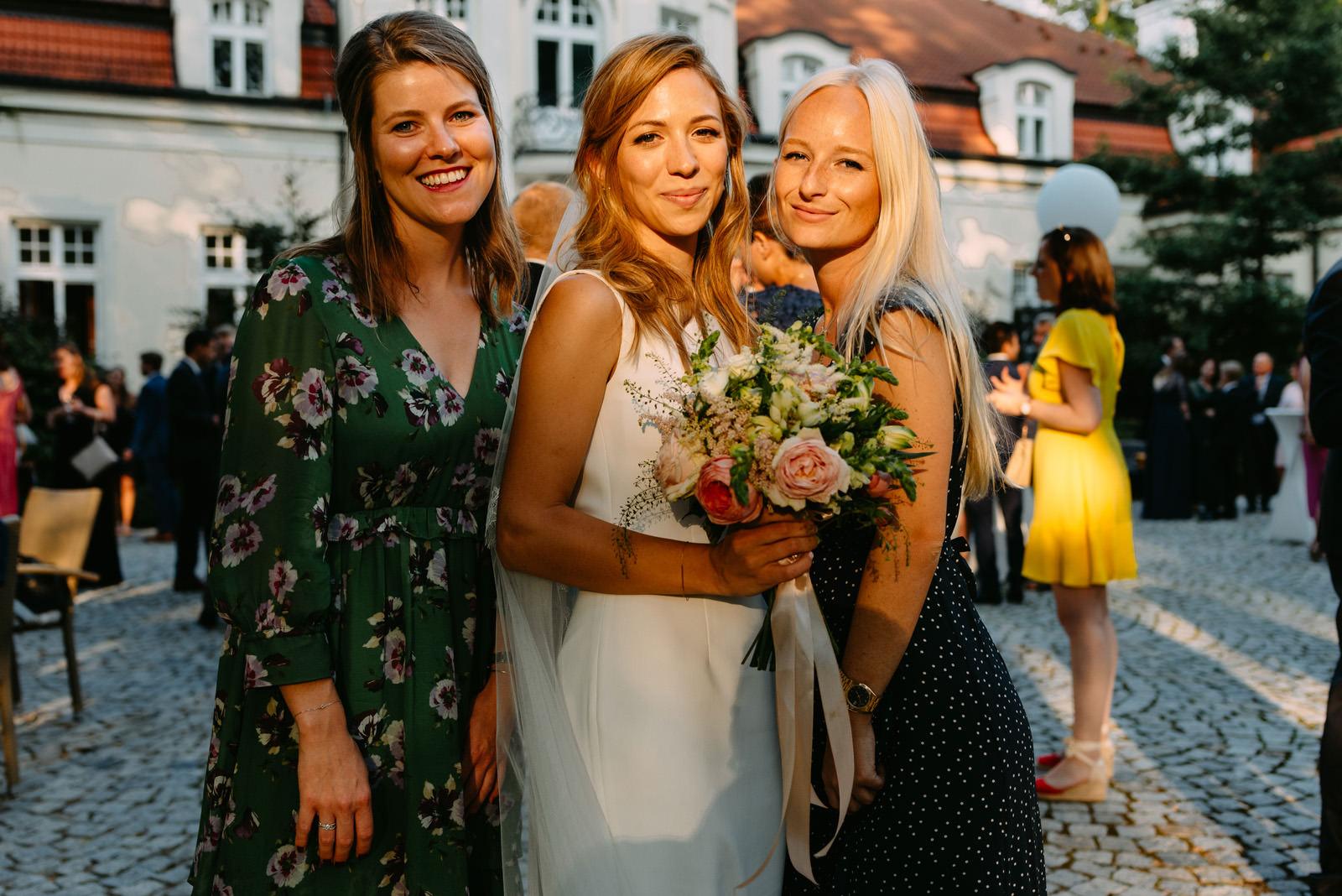 polsko-francuski ślub w zdunowie- panna młoda i druhny