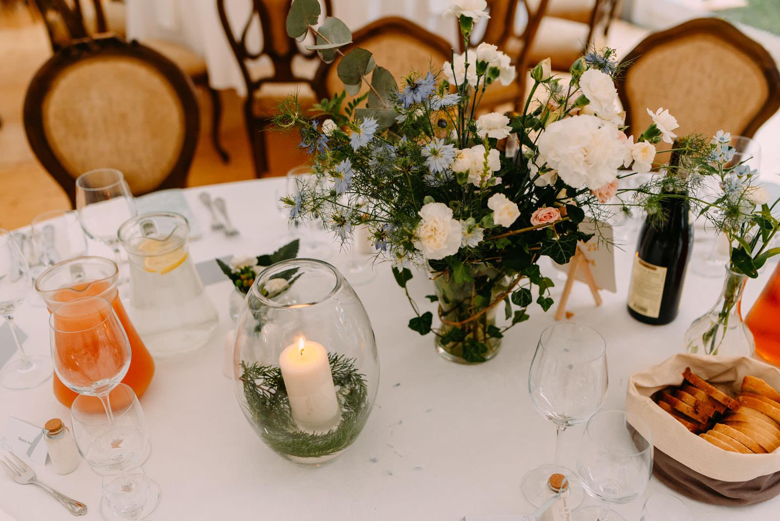 pałac zdunowo i piękne dekoracje ślubne na stole- luke sezeck fotografia