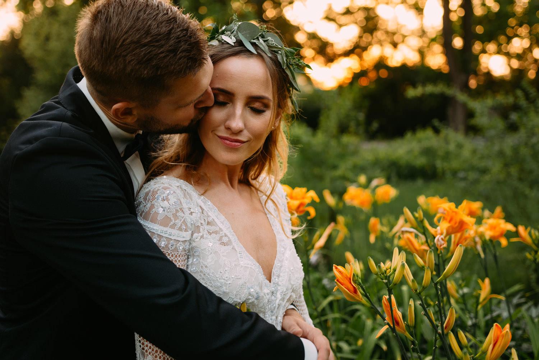 rustykalna panna młoda- sesja ślubna młodej pary w Parku w Żelazowej Woli- Luke Sezeck