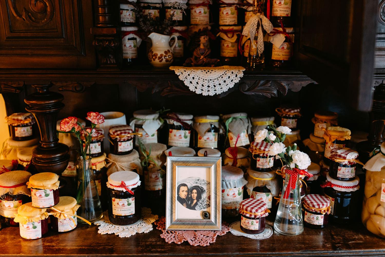 dekoracje rustykalne w restauracji Przepis na kompot