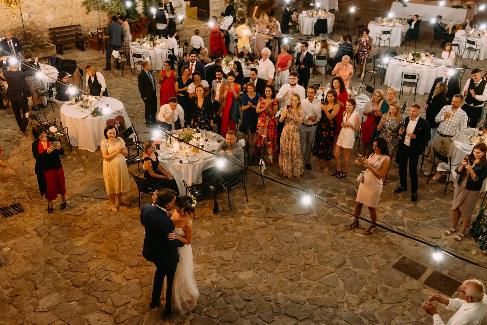 pierwszy taniec pary młodej na weselu we Włoszech