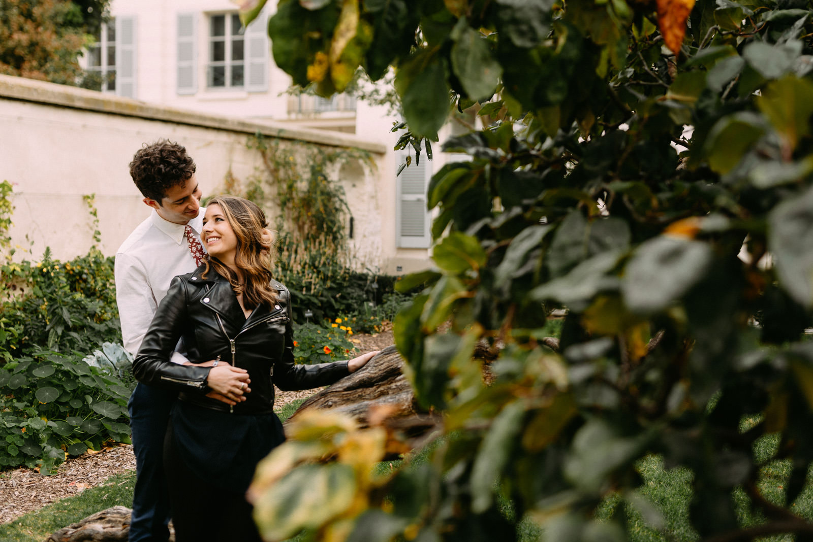 couple engagement shoot in Montmartre by Paris photographer - Luke Sezeck