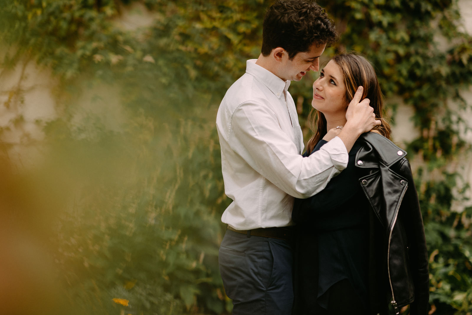 intimate engagement portrait in montmartre by paris photographer - luke sezeck