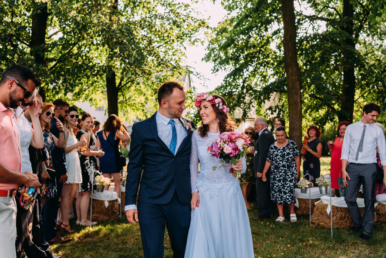 Osada młyńska i wesele plenerowe pod Warszawą - Luke Sezeck fotografia