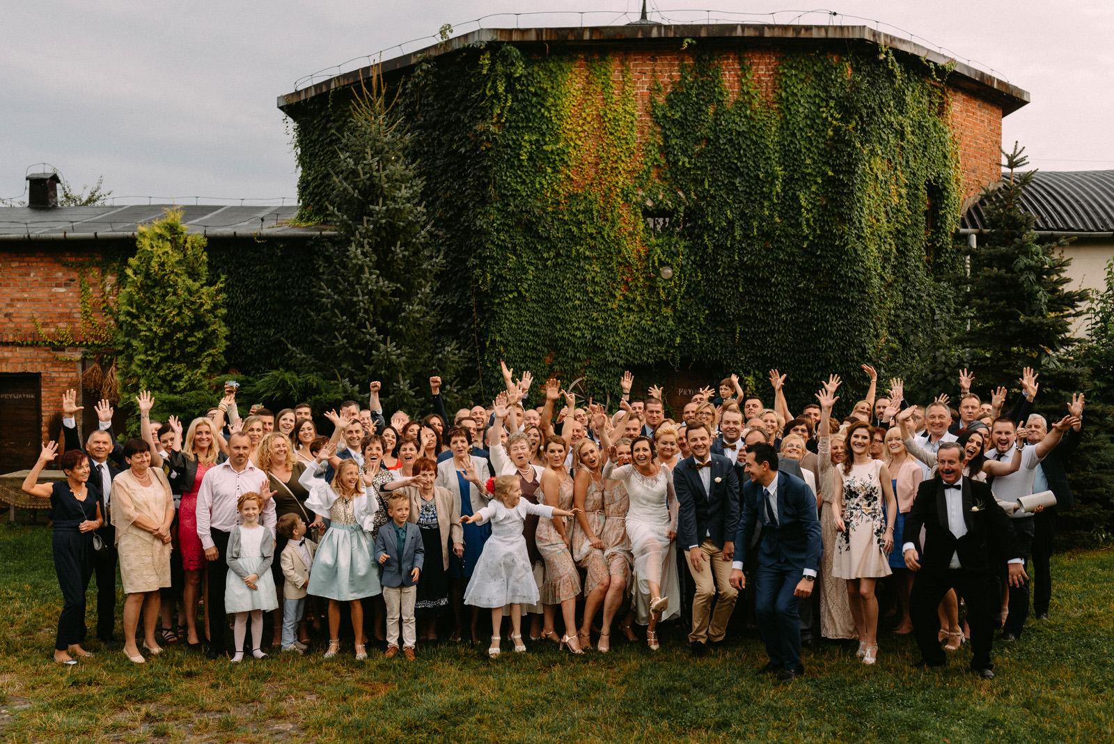 Osada młyńska i międzynarodowe wesele plenerowe, Oryszew pod Warszawą - Luke Sezeck fotografia