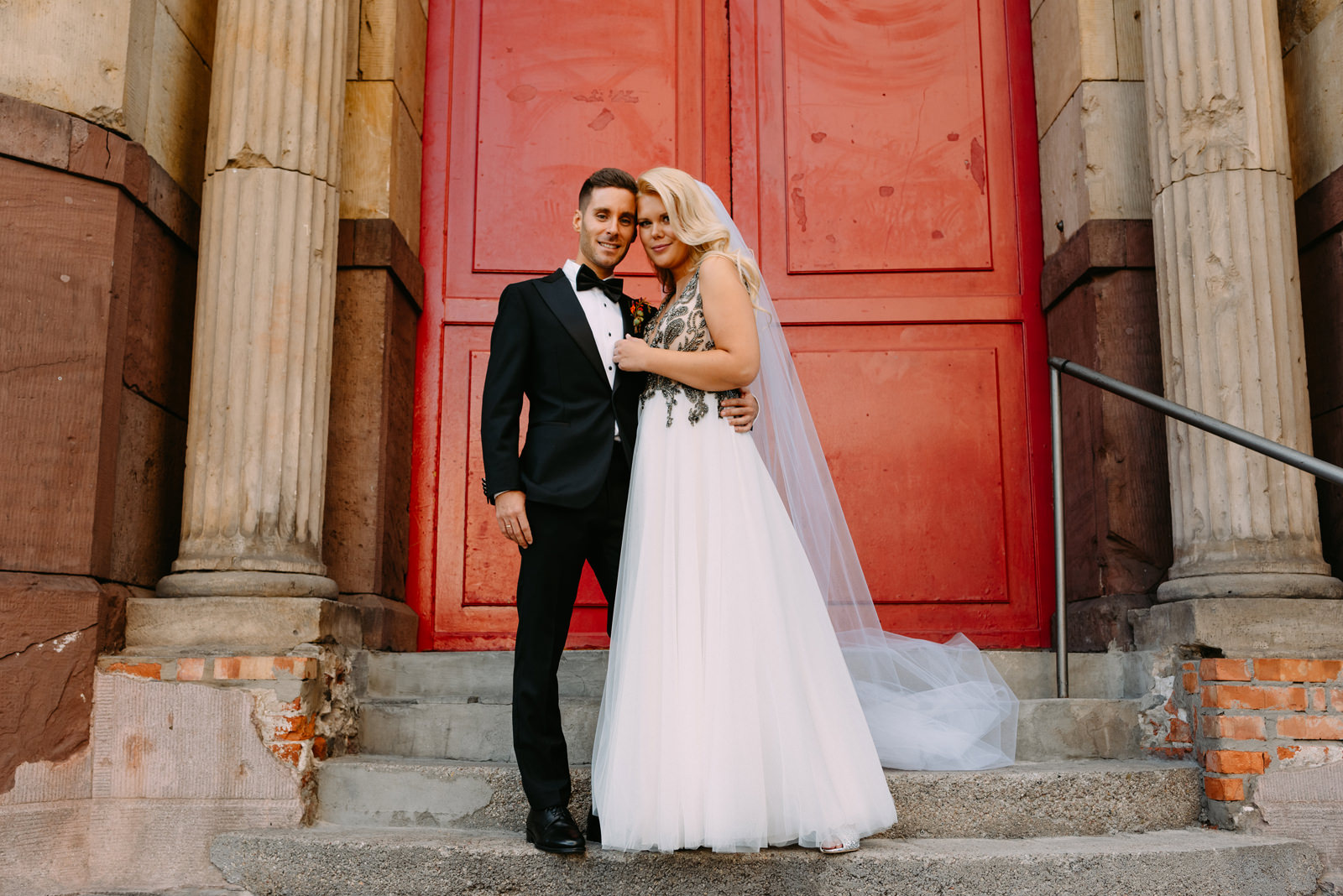 młoda para i międzynarodowe wesele w reducie banku polskiego w Warszawie